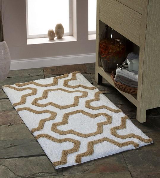 Saffron Fabs Bath Rug Cotton, 50x30, Anti-Skid, White/Beige, Geometric, Washable, Quatrefoil