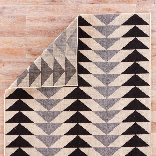 """Jaipur Living Mckenzie Indoor/ Outdoor Geometric Black/ Cream Area Rug (2'X3'7"""")"""